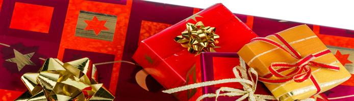 Weihnachten steht schon wieder vor der Tür und damit der große Geschenkekauf für Familie und Freunde. Doch wie lassen sich Weihnachtsgeschenke finanzieren?